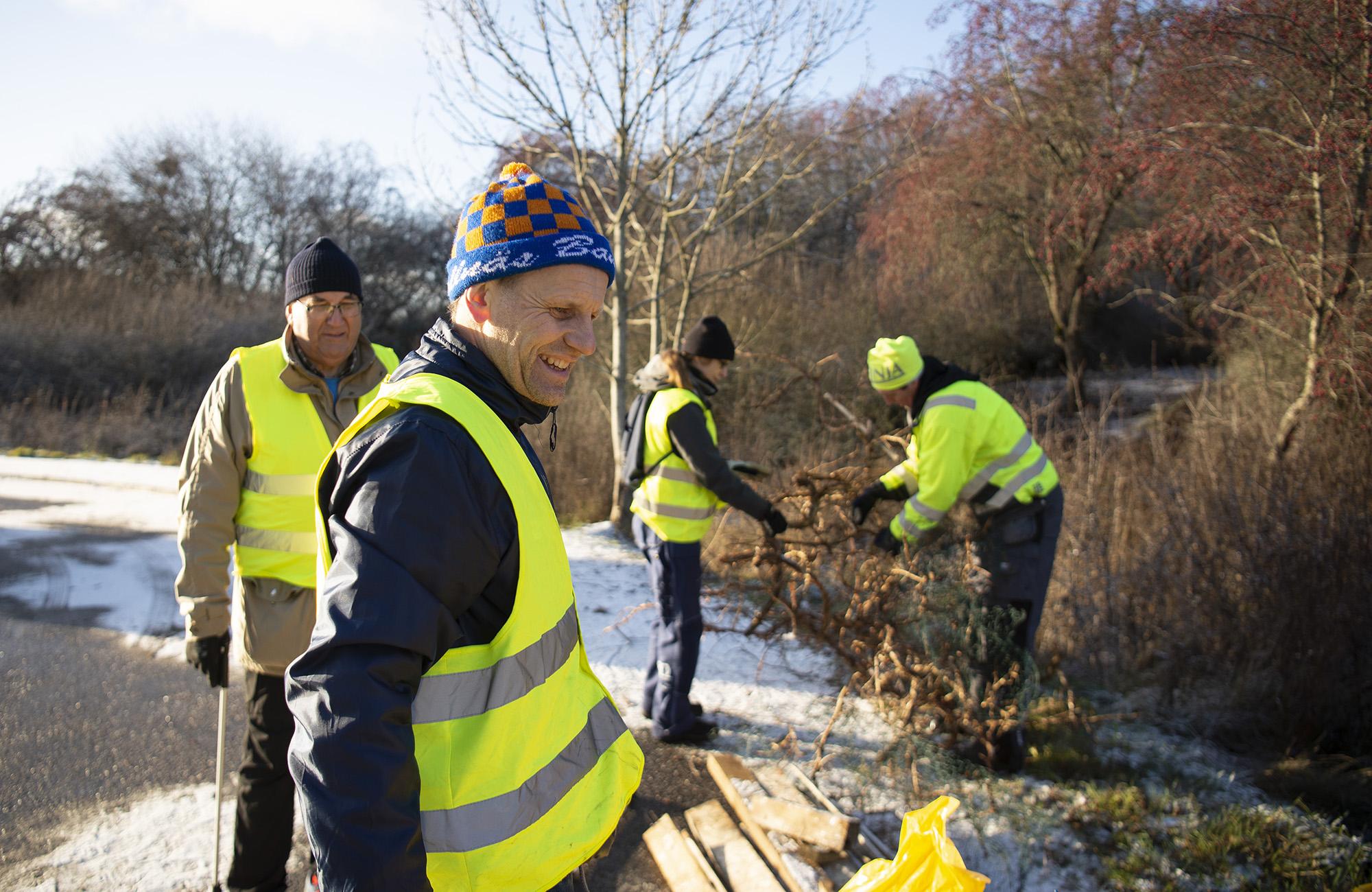 Städa Sverige 30-årsstädade längs Mälaren i norra Botkyrka