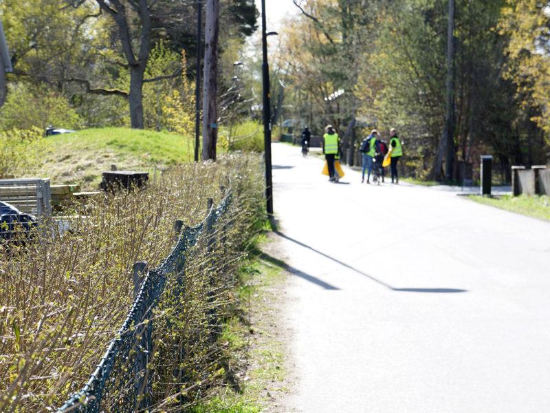 Idrottsföreningar gör Nackas cykelbanor skräpfria