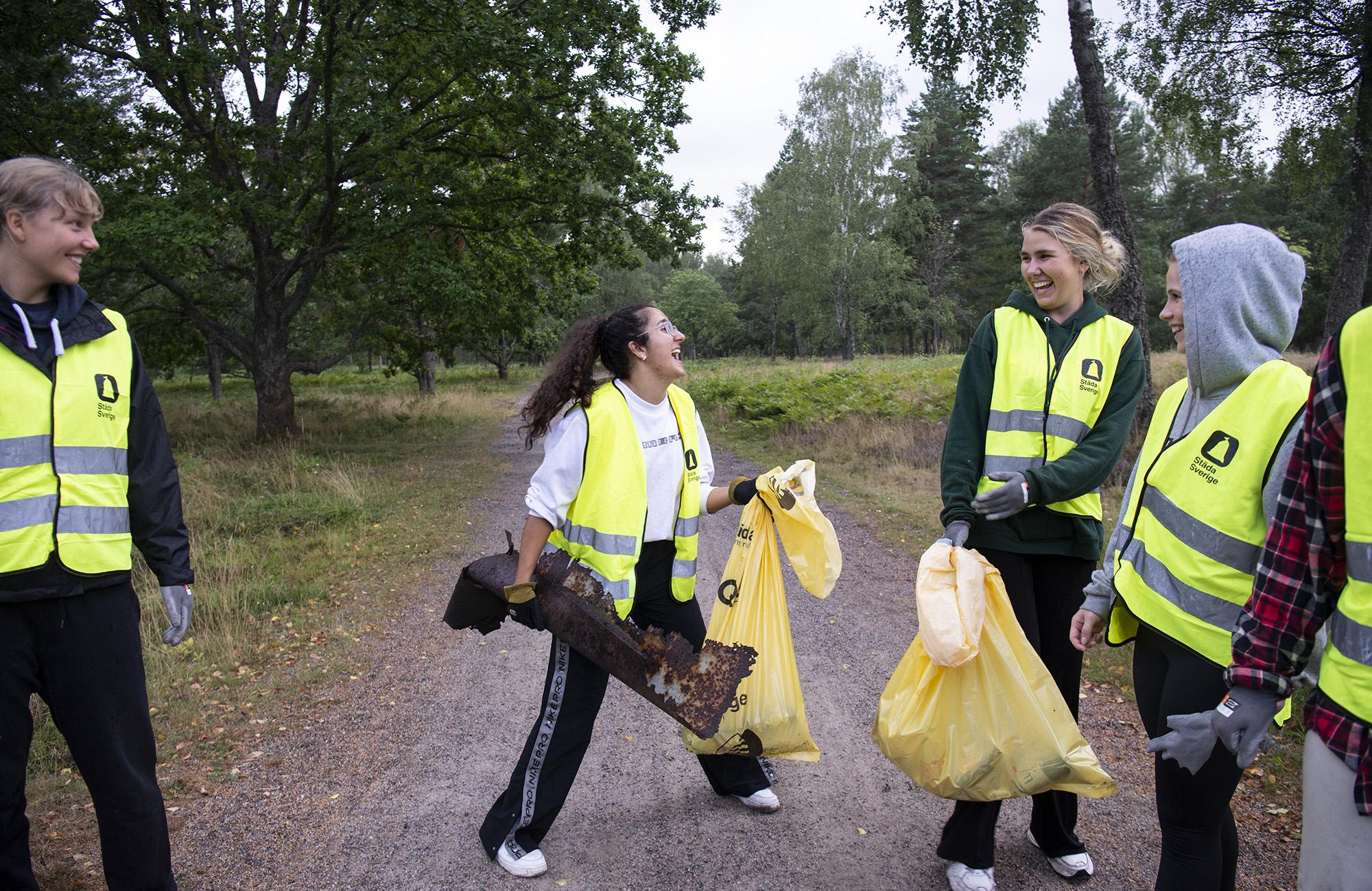 Tillsammans städar vi Huddinge kommun i projektet Städa Södertörn